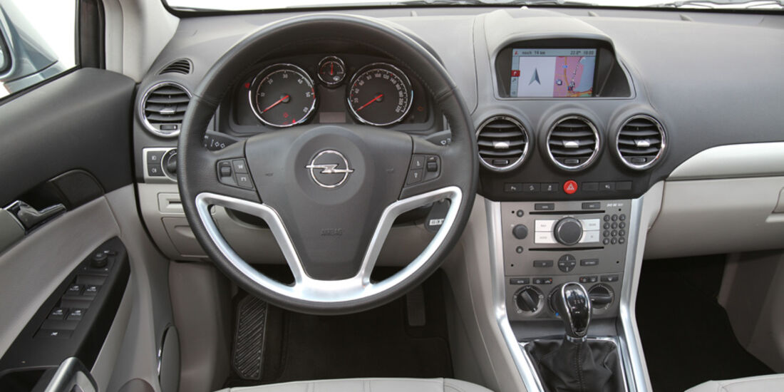Opel Antara 2.2 CDTI Cosmo, Cockpit