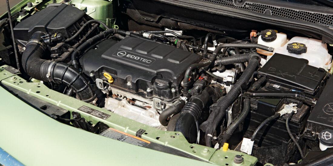 Opel Astra 1.4 Turbo, Motor, Motorraum
