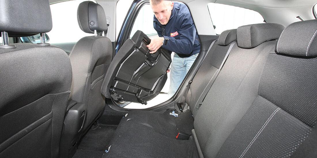 Opel Astra, Innenraum, Sitze hinten