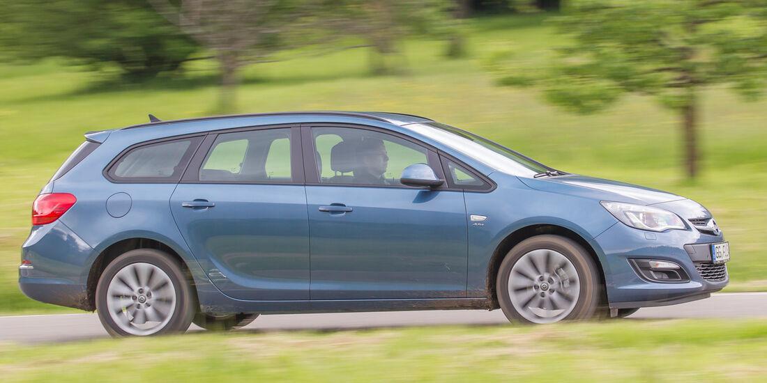 Opel Astra Sports Tourer 1.4 Turbo, Seitenansicht