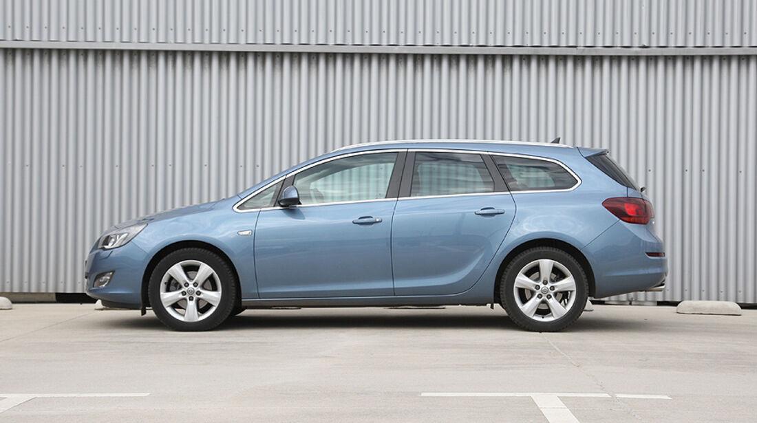 Opel Astra Sports Tourer Seite