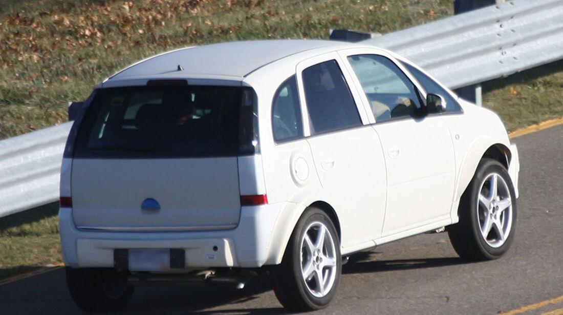 Opel Corsa SUV Erlkönig