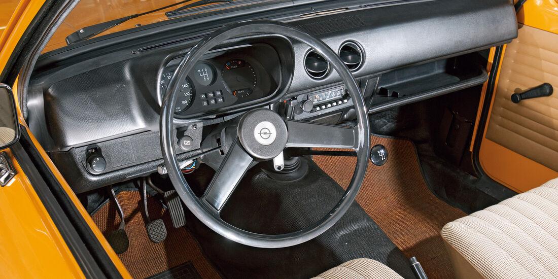 Opel Kadett, Lenkrad, Cockpit