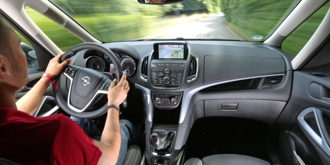 Opel Zafira Tourer 1.6 CDTI, Cockpit, Fahrersicht