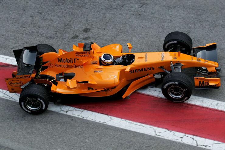 Pedro-de-la-Rosa-McLaren-MP4-21-Test-Barcelona-2006-fotoshowBig-9a900d07-923394.jpg