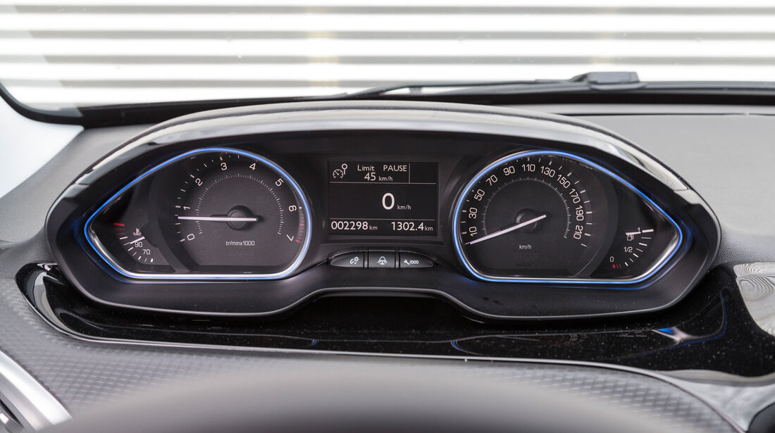 Peugeot 2008 120 Vti, Rundinstrumente