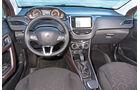 Peugeot 2008 82 VTi Active, Cockpit