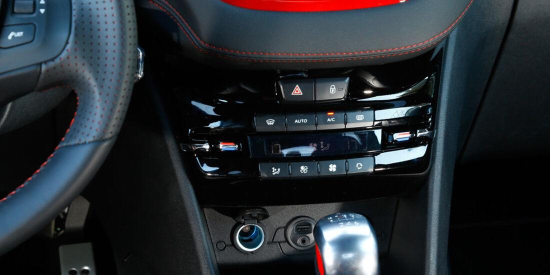 Peugeot 208 GTi, Mittelkonsole
