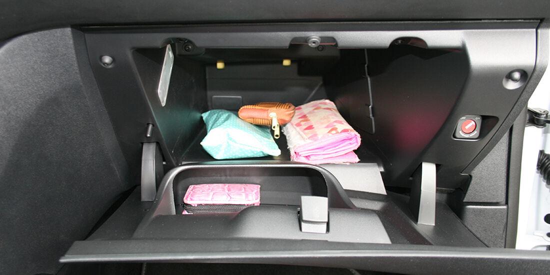 Peugeot 208, Innenraum-Check, Staufach