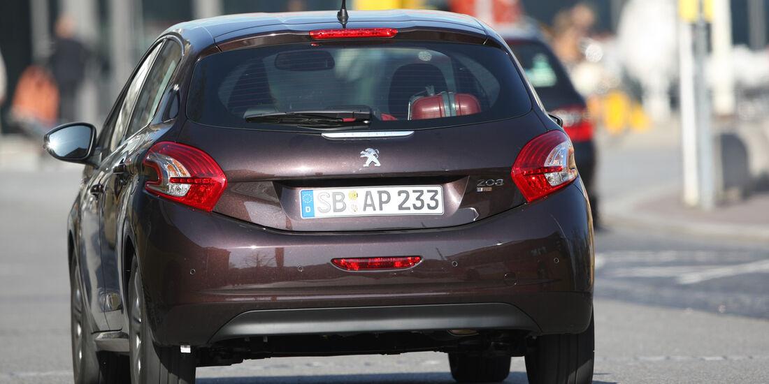 Peugeot 208 e-Hdi 115, Heck
