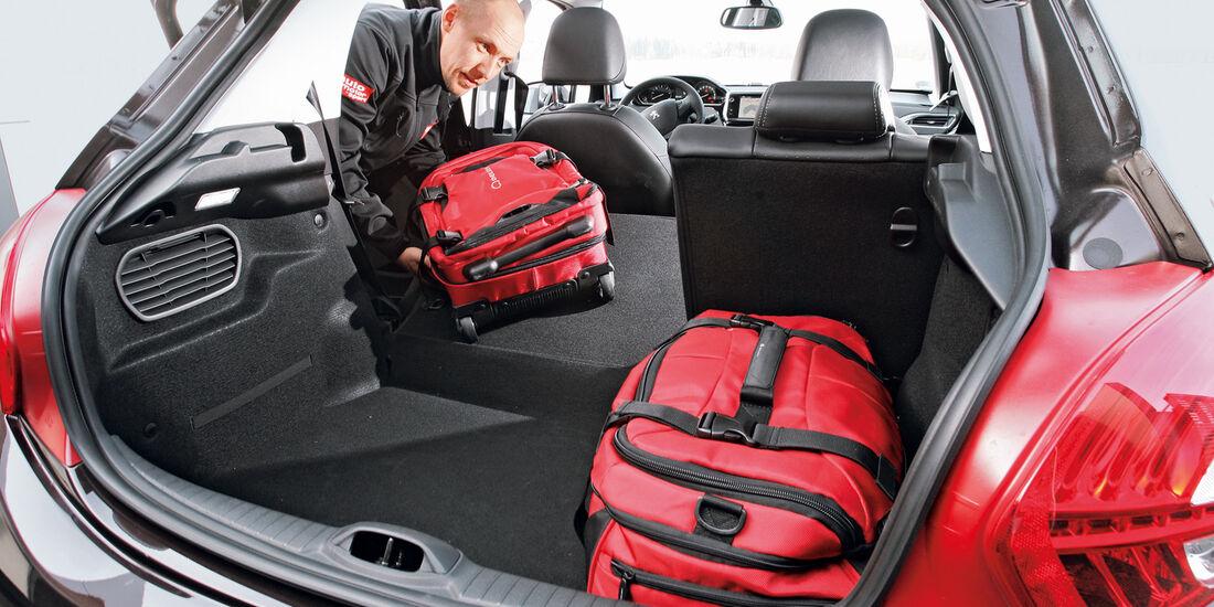 Peugeot 208 e-Hdi 115, Rücksitz umklappen