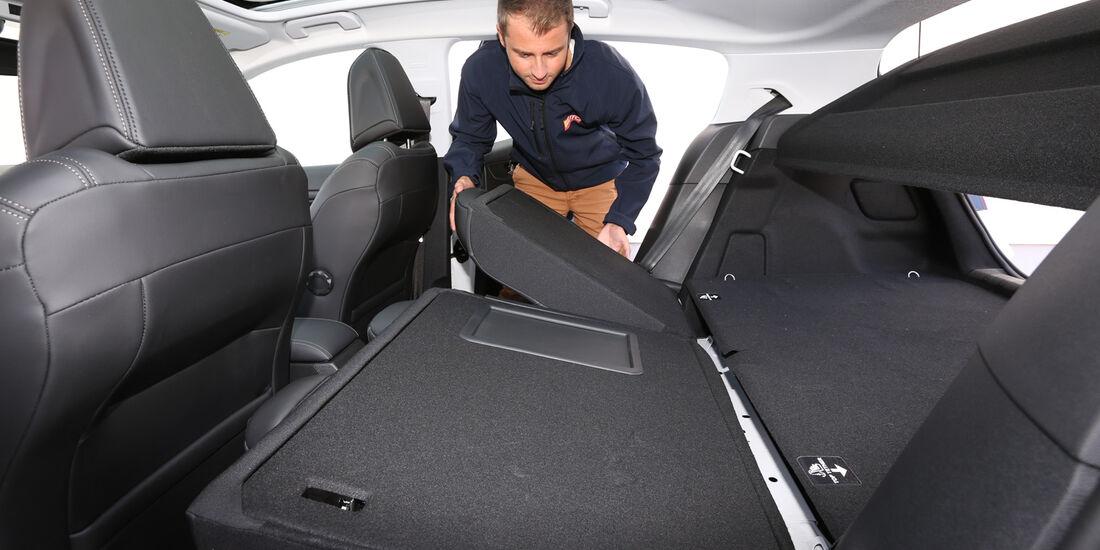 Peugeot 308 e-HDi 115, Sitze, Umklappen