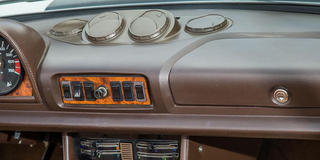 Peugeot 504 TI Cabrio, Luftausströmer