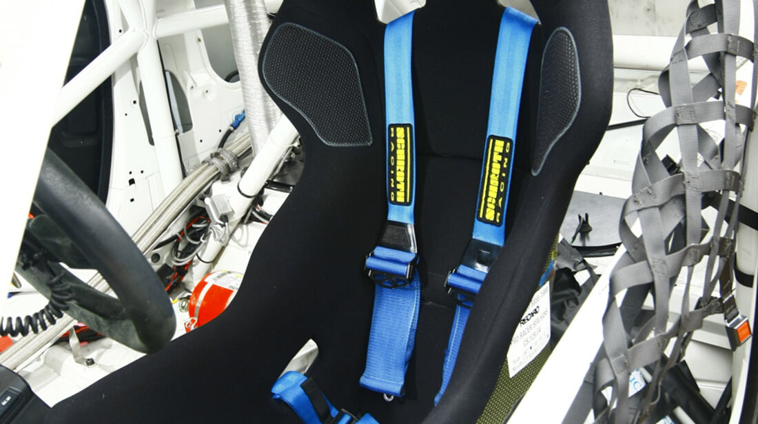 Pirelli-BMW M3 GT4 Fahrersitz