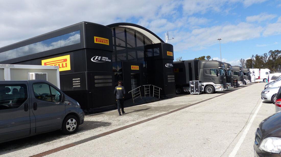 Pirelli - Impressionen - Jerez - Formel 1-Test - 31. Januar 2015
