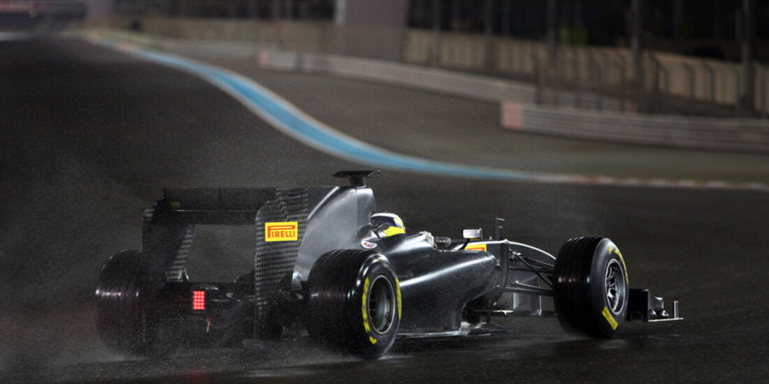 Pirelli Test Abu Dhabi 2011