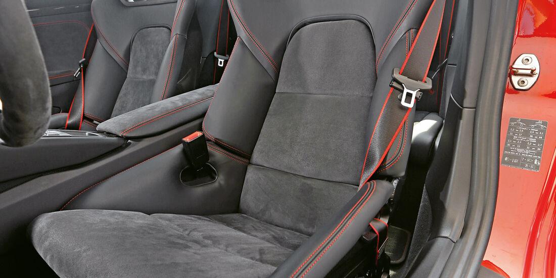 Porsche 911 Carrera GTS, Fahrersitz