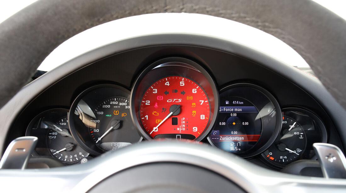 Porsche 911 Carrera GTS, Rundinstrumente