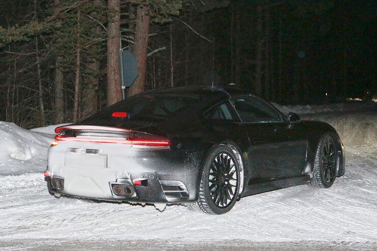 Porsche-911-Erlkoenig-2018-fotoshowBig-993ed43-1004707