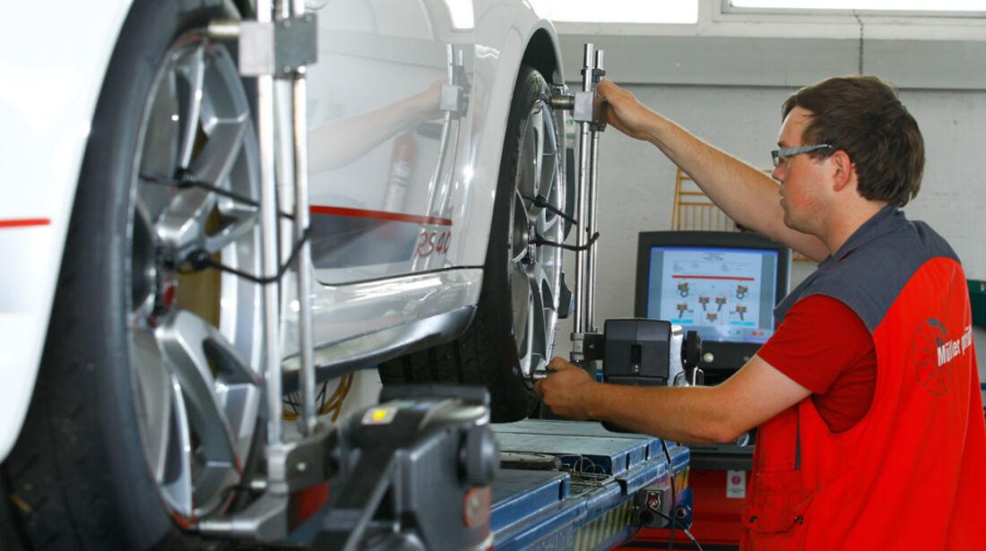Porsche 911 GT3 RS 4.0, Werkstatt