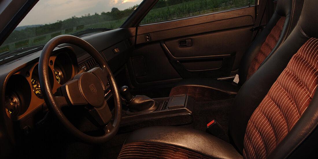 Porsche 944 - Fahrersitz, Armaturenbrett und Lenkrad