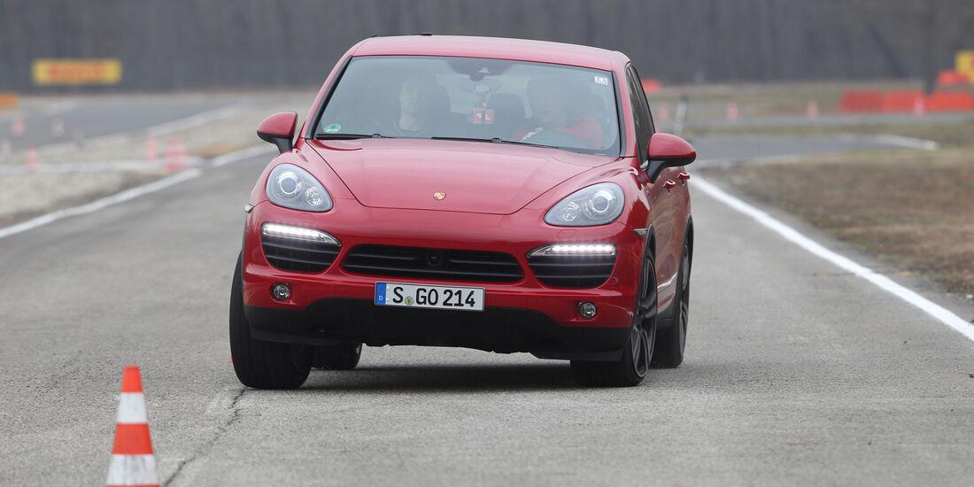 Porsche Cayenne S Diesel, Frontansicht, Slalom