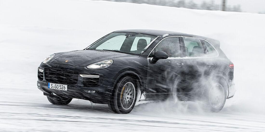 Porsche Cayenne Turbo S 2015