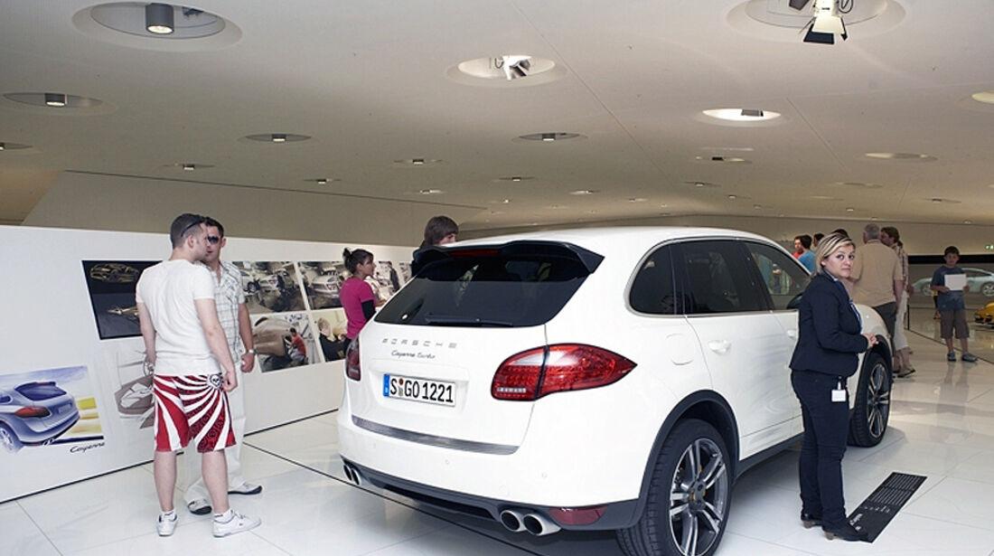 Porsche Design Show Cayenne