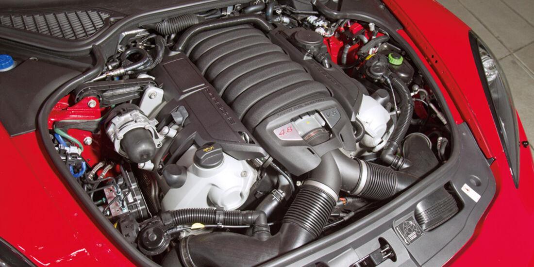Porsche Panamera GTS, Motor
