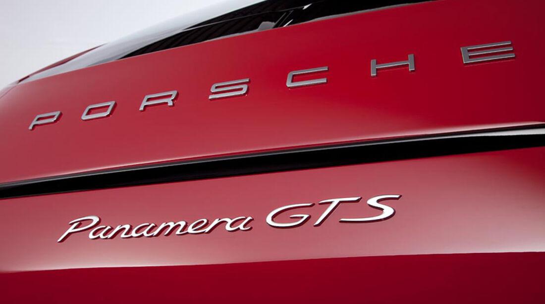 Porsche Panamera GTS, Typenbezeichnung, Emblem