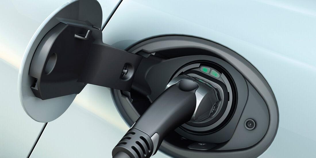 Porsche Panamera Plug-in-Hybrid, Strom tanken