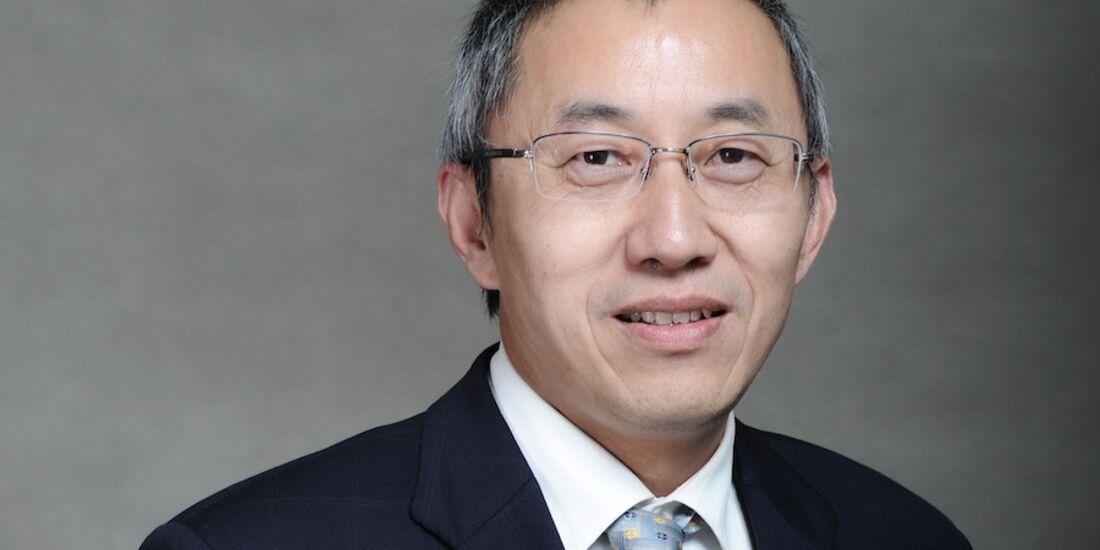 Prof. Dr.-Ing. Su Zhou, Lehrstuhlinhaber für innovative Fahrzeugantriebe an der Tongji Universität