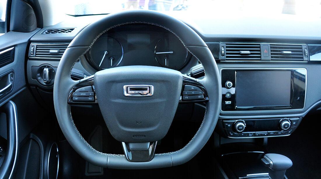 Qoros 3 Sedan, Innenraum, Cockpit, Lenkrad