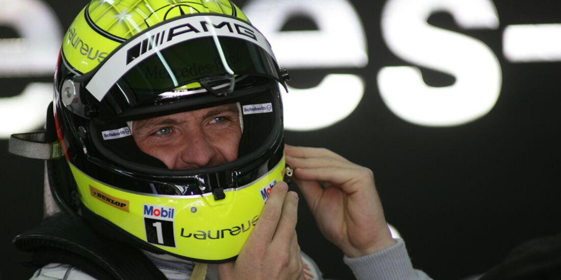Ralf Schumacher mit Helm - DTM Valencia 2010