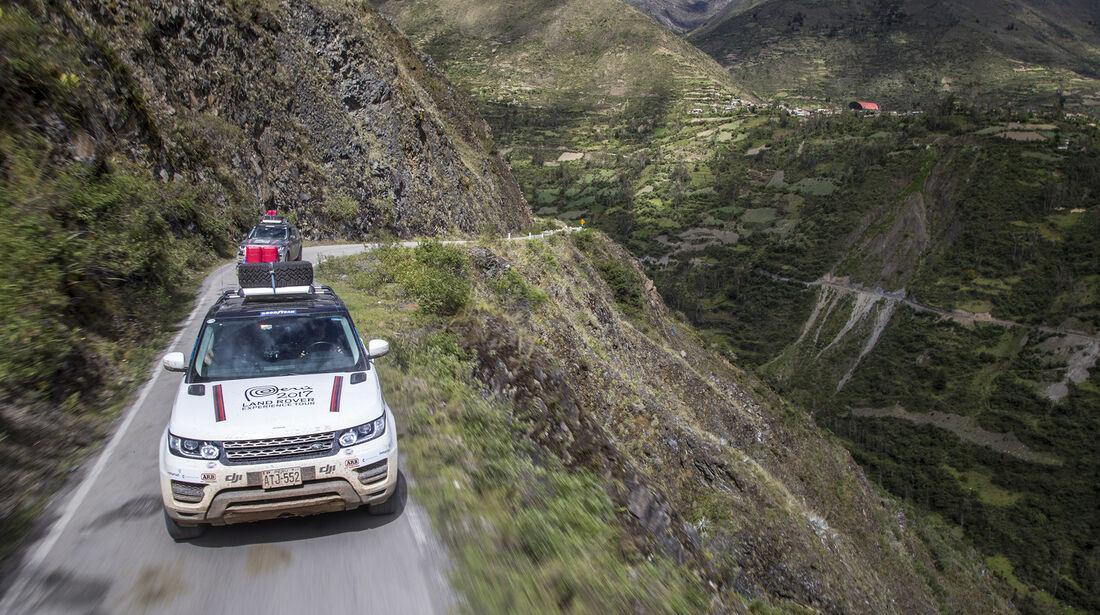 Range Rover auf Passstraße