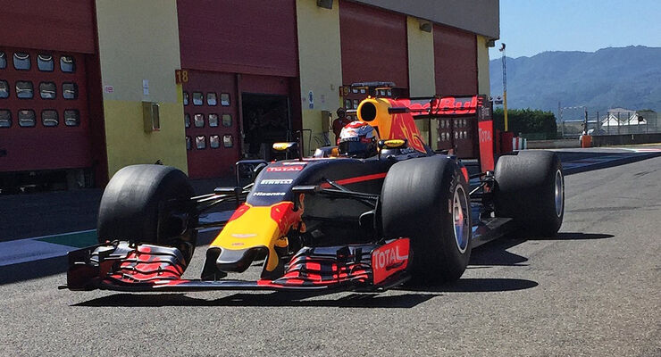 Red Bull - Pirelli 2017 Reifen Test - Mugello 2016