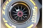Reifen - Pirelli - Williams-Felge - GP Barcelona - Formel 1 - Mittwoch - 6.5.2015
