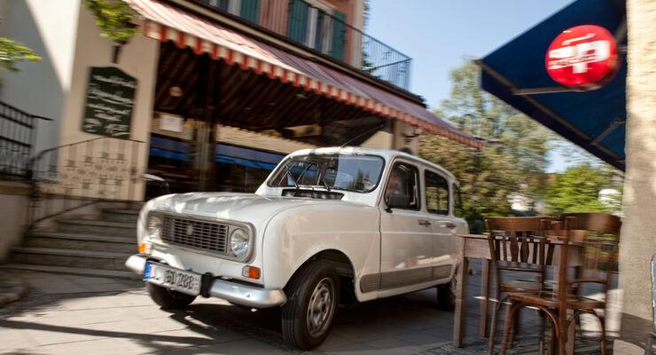 Renault 4, Frontansicht, Stadt