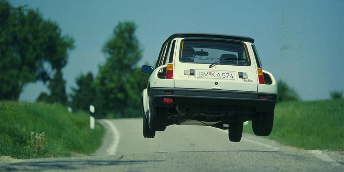 Renault 5 Turbo im Flug