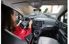 Renault Captur dCi 90, Cockpit, Fahersicht