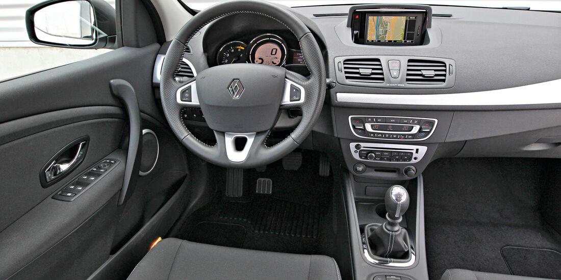 Renault Mégane Grandtour Energy dCi 110, Cockpit, Lenkrad