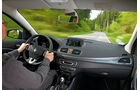 Renault Megane TCe 130, Cockpit, Fahrt, Lenkrad