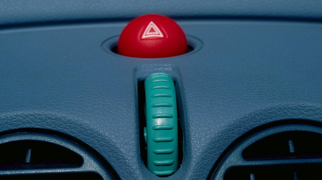 Renault Twingo, 1. Generation, Innenraum, Warnblinker