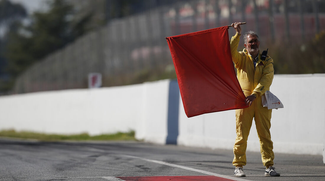 Rote Flagge - Formel 1 - Test - Barcelona - 10. März 2017
