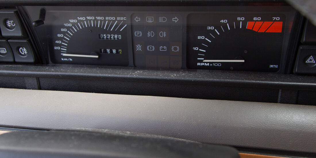Rover Vitesse (SD1), Rundinstrumente