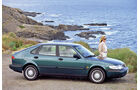Saab 900.