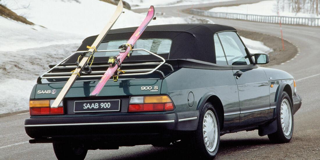 Saab 900 Cabriolet, Heckansicht, Skibrücke