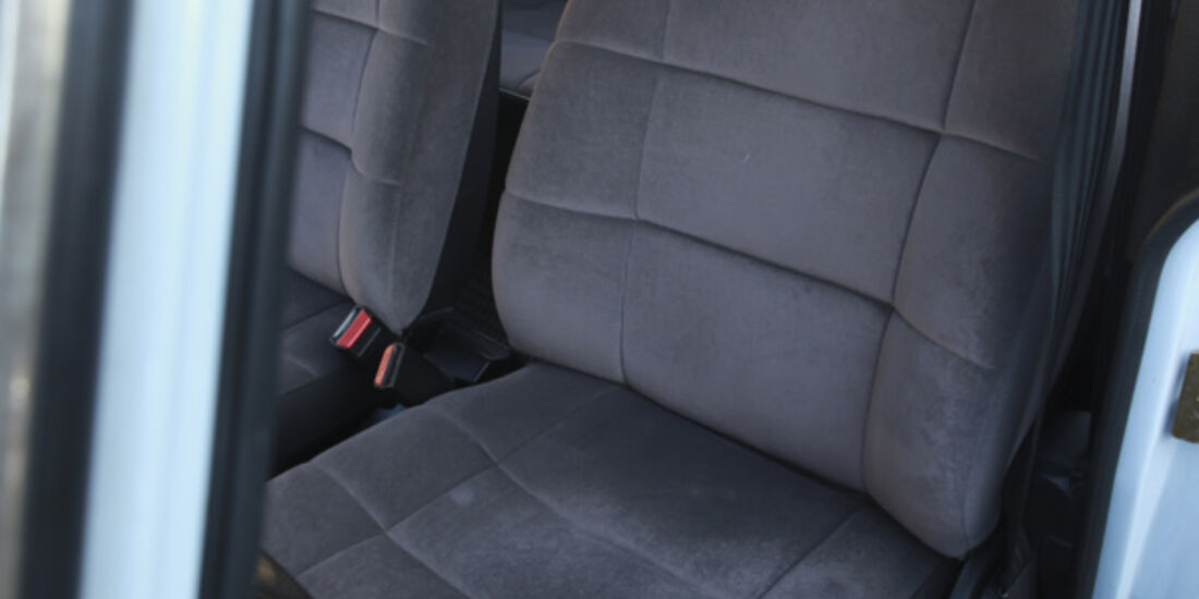 Saab 900, Sitze