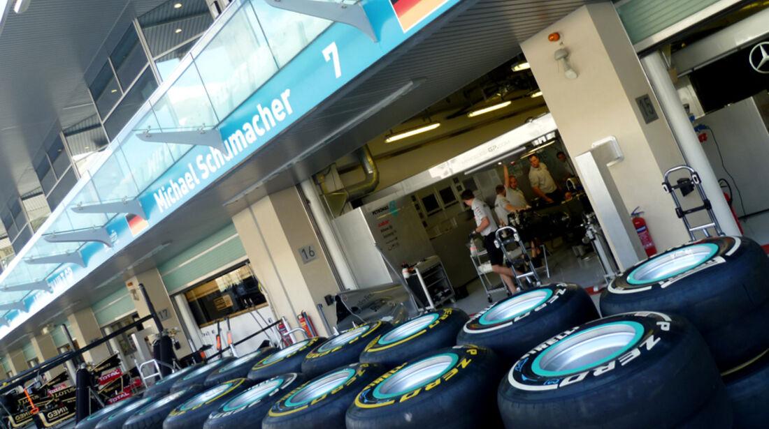 Schumacher-Box - GP Abu Dhabi - 10. November 2011