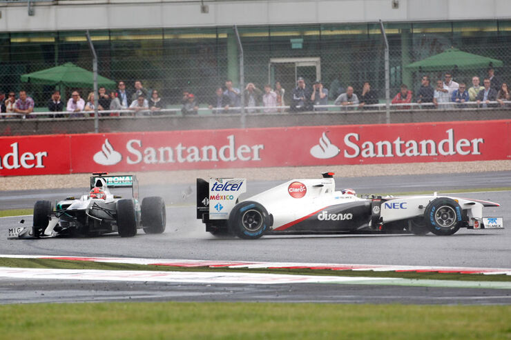 Schumacher Kobayashi GP England 2011 Rennen
